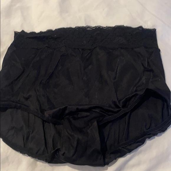 Bali black high waisted panty briefs size 8